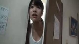 【巨乳おっぱい動画】103号室に住んでる素人のJDがMM号に降臨!男根ぶち込まれ喘ぎっぱなしで腰を振りまくりなんだが