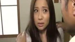 【xvideos】美人な巨乳人妻のレズ寝取り中出し浮気無料エロ動画。【人妻動画】