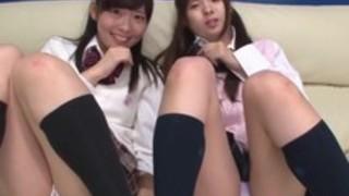 美少女JK二人組にオナニー指導されて遊ばれて射精