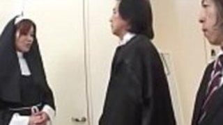 日本の修道士のための最初のハードコア体験、鹿沼ひとみ