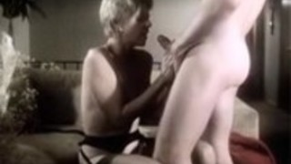 ジュリエット・アンダーソン、二重浸透とホット80のポルノビデオでロン・ハッド