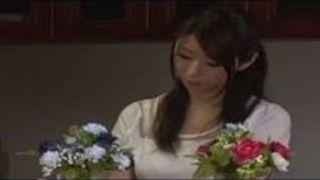 巨乳 童貞 筆おろし 篠田あゆみ 誘惑