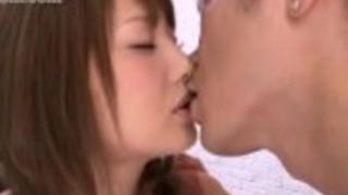 熱い日本人の妻が彼女の友人に会う