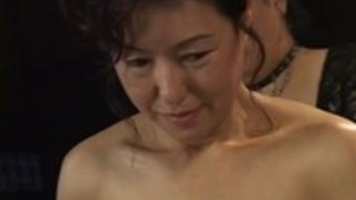 【奥様】もうすぐ還暦、自分のご褒美に一度やってみたかったジャパン緊縛。ヤンキー女緊縛師の技で乳首フル勃起!